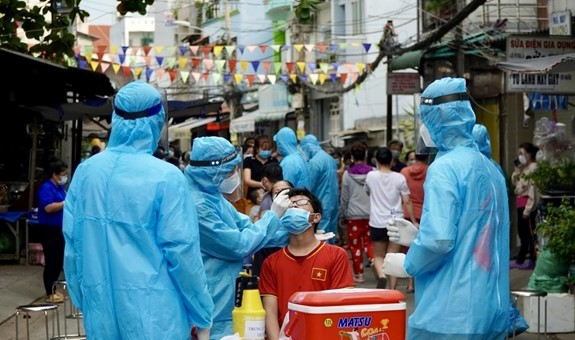TP Hồ Chí Minh xét nghiệm F1 thần tốc để nhanh chóng kiểm soát dịch Covid-19.(Nguồn: Suckhoedoisong.vn)