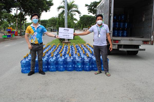 Nước uống Bidrico bình 19l được trao tặng bệnh viện dã chiến số 4 – Bình Chánh
